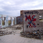 MS13 (Mara Salvatrucha 13) and some crap graff in the middle of nowhere, in Navajo Nation. (Arizona)  Bild (Ausschnitt): ©  Dier [CC BY-NC 2.0]  - flickr.com