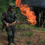 Colombia Drugs Das kolumbianische Militär im Kampf gegen Kokain | Bild (Ausschnitt): © Policía Nacional de los colombianos [CC BY-SA 2.0]  - Flickr