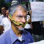 Journalists Protest against rising violence during march in Mexico City Hunderte mexikanische Journalisten protestieren gegen die Gewalt, die gegen sie verübt wird.   Bild (Ausschnitt): © John S. and James L. Knight Foundation [CC BY-SA 2.0]  - flickr