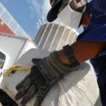 Sichergestellte Ladung Kokain aus Honduras Von der US-Küstenwache konfisziertes Kokain | Bild (Ausschnitt): © von Coast Guard (Drug hand off) [Public domain] [Public Domain]  - Wikimedia Commons
