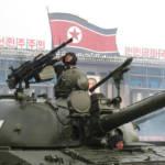 Drogen geben Macht Das Crystal-Meth finanziert zum großen Teil das Waffenprogramm in Nordkorea. | Bild (Ausschnitt): ©  NOS Nieuws [CC BY-NC-ND 2.0]  - Flickr