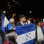 Demonstration in Honduras Blockierte Straßen und Brücken, geplünderte und verwüstete Geschäfte sowie brennende Mautstationen – die Wut der Demonstranten ist groß.  | Bild (Ausschnitt): ©  Joe Catron [CC BY-NC 2.0]  - Flickr